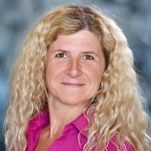 Sabine Ecker